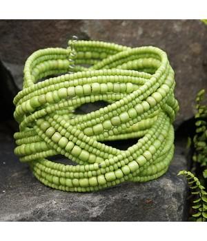 Sommerliches Armband Handarbeit aus Perlen
