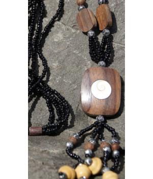 Perlenkette mit Holz und Shiva