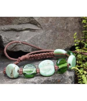 Kleine Armband mit grünen...